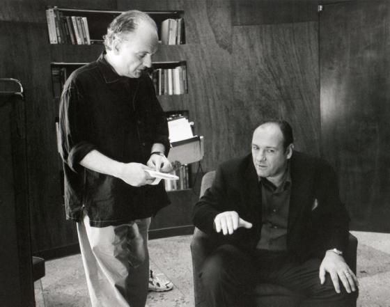 david-chase-james-gandolfini-sopranos-set